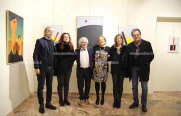 """Inaugurata la mostra """"Triangoli Disamore"""" di Angelo Gennaccaro"""