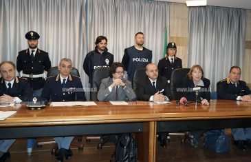 """Lamezia: fermi per bomba a negozio via Piave, Bombardieri: """"Non ci accontentiamo, è necessario capire tutto il quadro criminale"""""""