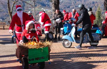 Babbi Natale in moto per le vie di Platania
