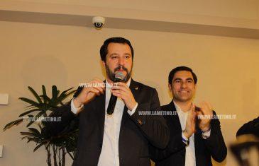 """Lamezia, Salvini: """"Prossimo obiettivo è governare la Calabria, gli amici del Pd facciano le valigie in regione"""""""