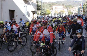"""Lamezia, sesta edizione della """"Pedalata per la sicurezza"""" in memoria otto ciclisti"""
