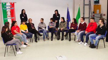 Un mondo senza frontiere, aperto e solidale: gli studenti dell'istituto Einaudi di Lamezia si raccontano