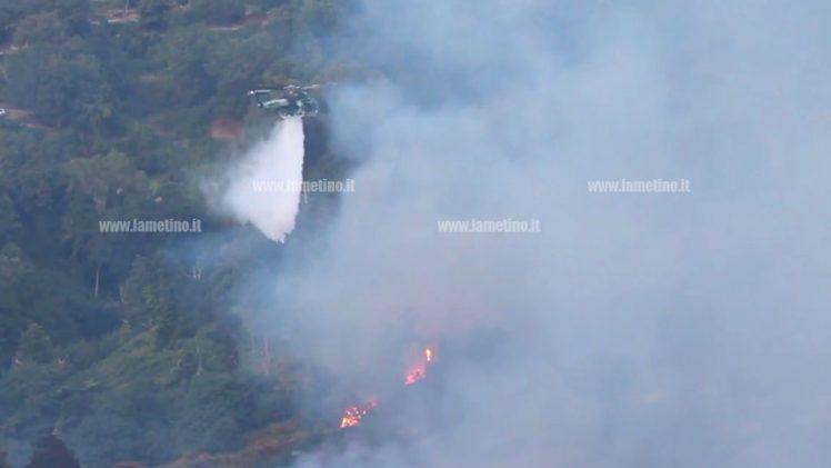 Lamezia: ancora incendi in zone montane, fiamme vicino abitazioni