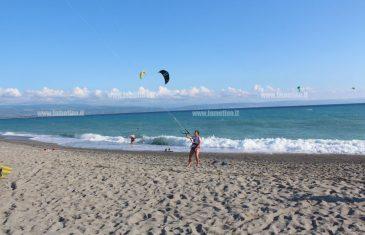 A Gizzeria lido la cerimonia di apertura dei campionati mondiali di kitesurf