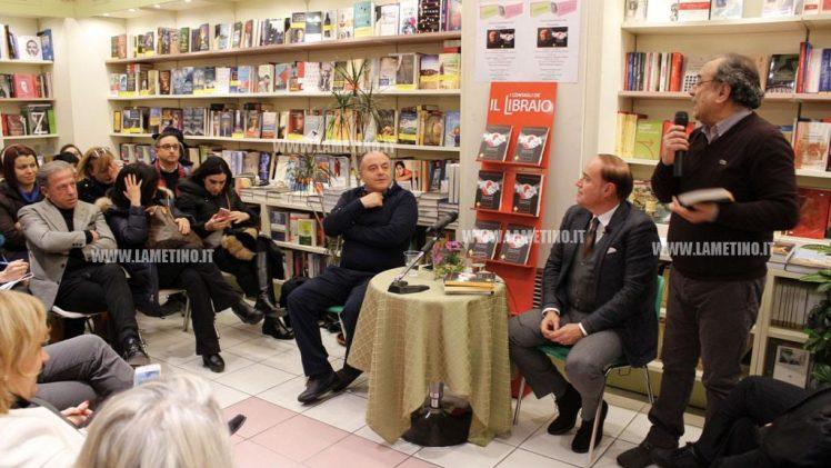 """Lamezia, Gratteri presenta 'Padrini e Padroni': """"La 'ndrangheta non si preoccupa di fare soldi ma di come giustificarli"""""""