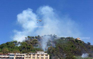 Lamezia: a fuoco bosco di Sant'Antonio, interviene anche elicottero