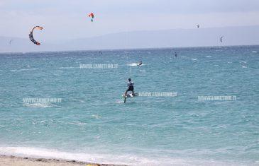 Mondiali Kitesurf a Gizzeria, conclusa la prima giornata di gare