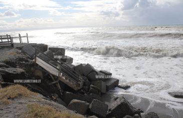 Maltempo, nuove mareggiate colpiscono litorale tirrenico