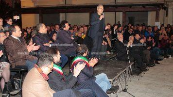 """Lamezia, Mascaro in piazza: """"In ballo la democrazia ma la città ce la farà"""""""
