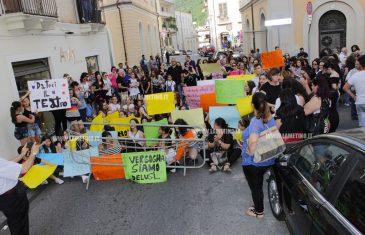 Lamezia, mancata apertura teatro Grandinetti: la protesta delle scuole di danza