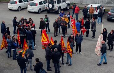 """Lamezia, protesta sindacati e lavoratori Sacal: """"No a costituzione S.r.l."""""""
