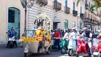 Lamezia, vespa e moto raduno in onore di Sant'Antonio attraversa la città
