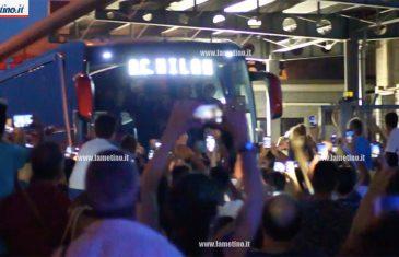 Al via il campionato di serie A, il Milan atterra all'aeroporto di Lamezia